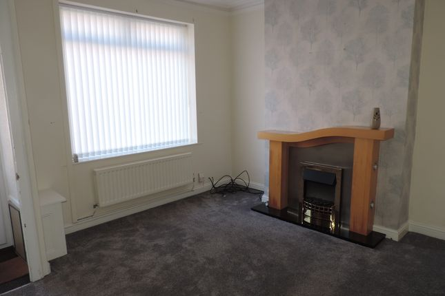 Thumbnail Terraced house to rent in Oldham Road, Royton, Oldham