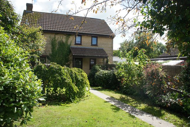 3 bed detached house to rent in Manor Vale, Mosterton