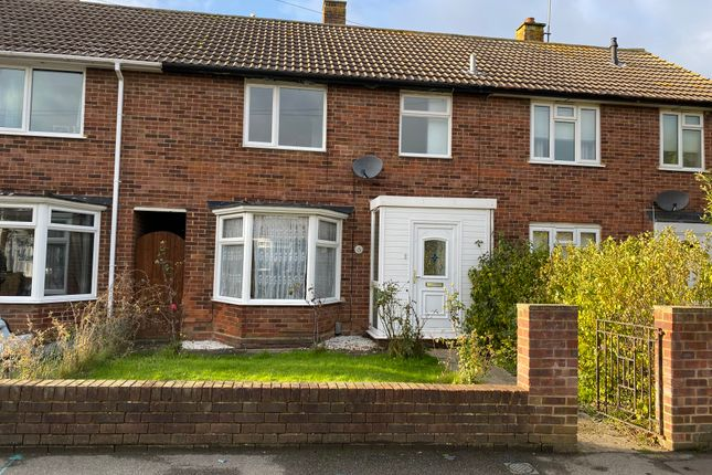 3 bed terraced house for sale in Crabtree Road, Rainham ME8