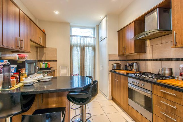 Thumbnail Flat for sale in Byrne Road, Balham