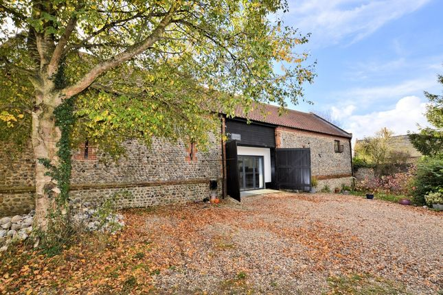 Thumbnail Barn conversion to rent in Saxon Court, Hall Lane, North Walsham