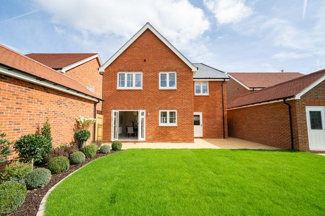 Thumbnail Detached house for sale in London Road, Wokingham