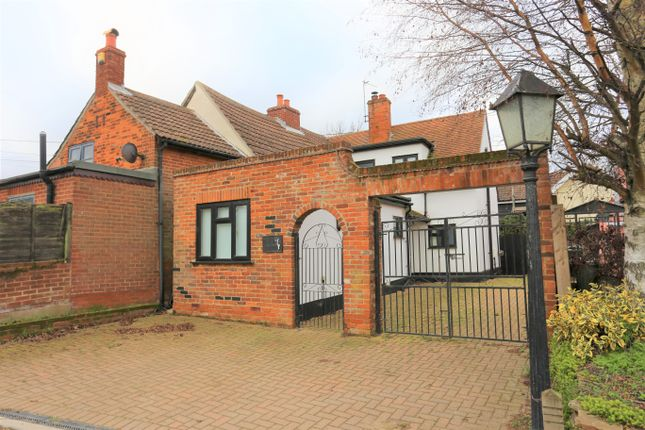 3 bed semi-detached house for sale in Thorpe Lane, Trimley St. Martin, Felixstowe IP11