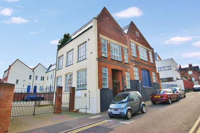 Thumbnail Town house for sale in Fishers Lane, Norwich