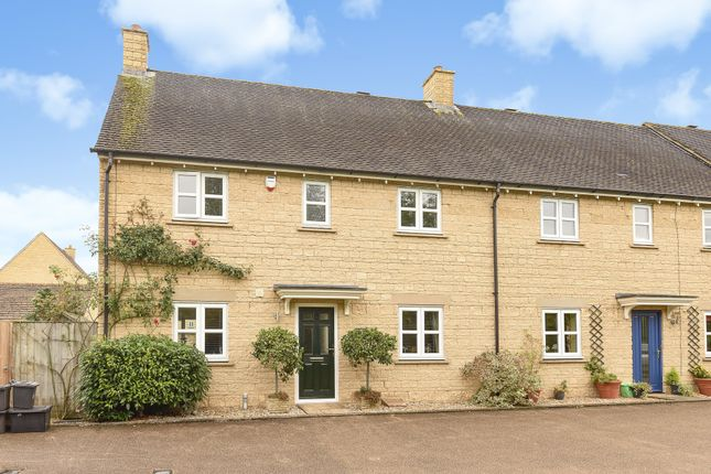 Thumbnail Semi-detached house to rent in Birch Grove, Madley Park, Witney