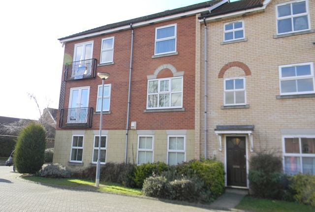 2 bed flat to rent in Ha'penny Bridge Way, Victoria Dock, Hull, East Yorkshire