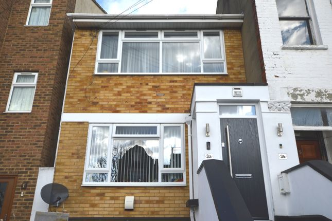 1 bed flat to rent in Rutland Park, London SE6