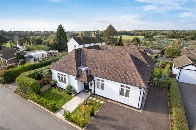 Thumbnail Detached bungalow for sale in Lanes End, Heath And Reach, Leighton Buzzard