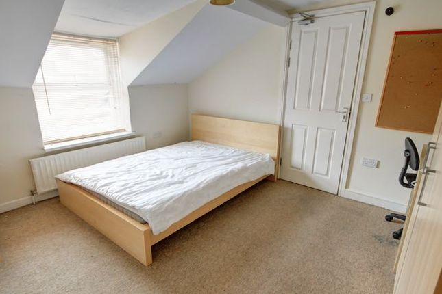 Thumbnail Terraced house to rent in Oak Close, North Street, Heavitree, Exeter