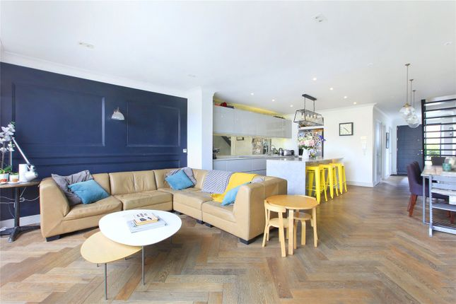 Picture No. 04 of Fernlea Road, Balham, London SW12
