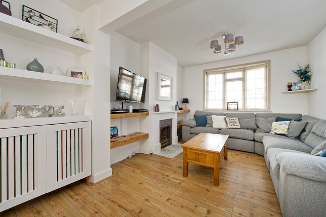 1 bed terraced house for sale in Bedford Road, London