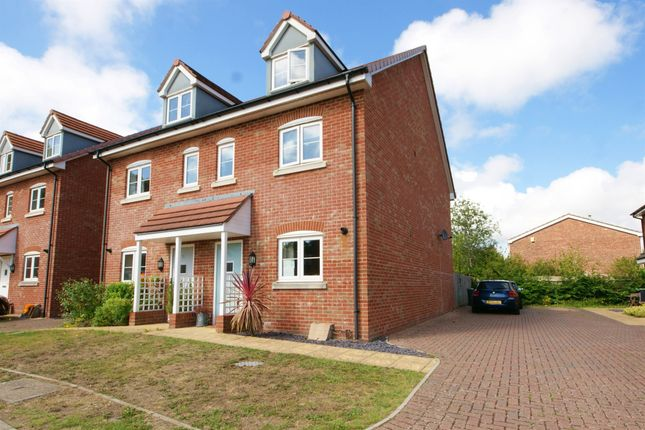 Town house for sale in Parsonage Close, Christchurch