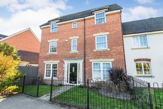 Thumbnail End terrace house for sale in Station Road, Thatcham
