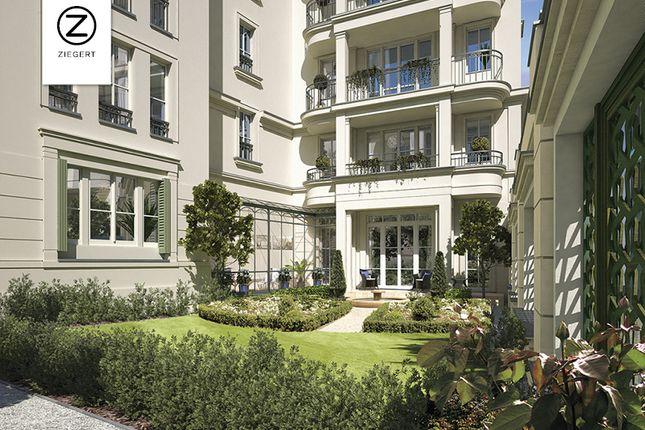 Thumbnail Apartment for sale in Werderscher Markt 12, Mitte, Brandenburg And Berlin, Germany