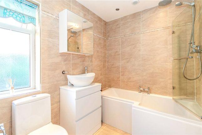 Family Bathroom of Cantley Avenue, Gedling, Nottingham NG4