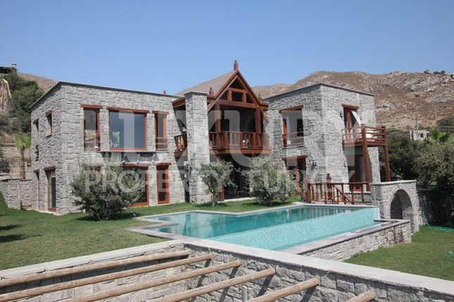4 bed villa for sale in Gumusluk, Bodrum, Aegean, Turkey