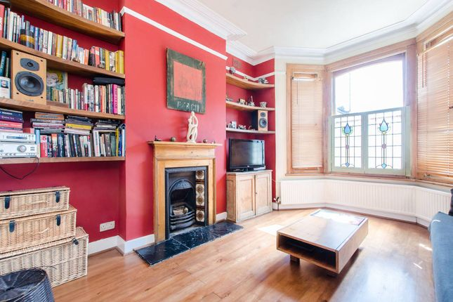 Thumbnail Flat for sale in Kay Road, Clapham North