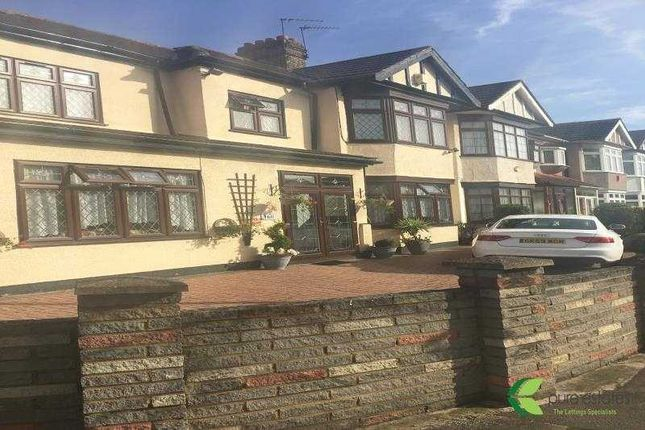 Room to rent in The Drive, Cranbrook, Ilford