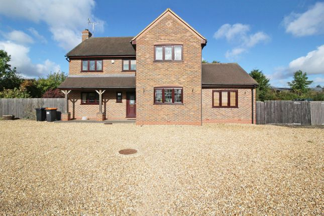 Thumbnail Detached house to rent in Stanbridge Road, Great Billington, Leighton Buzzard