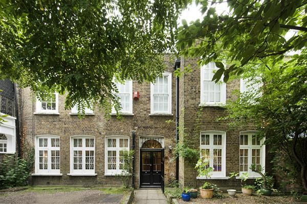 Thumbnail Property to rent in Bedford Gardens, Kensington