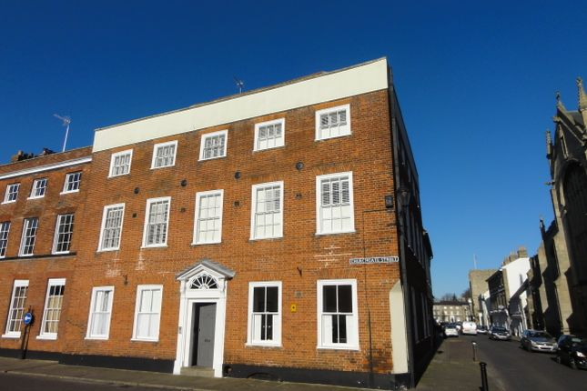 3 bed flat to rent in Churchgate Street, Bury St. Edmunds IP33