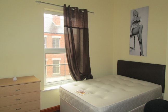 Thumbnail Shared accommodation to rent in Radford Road, Nottingham