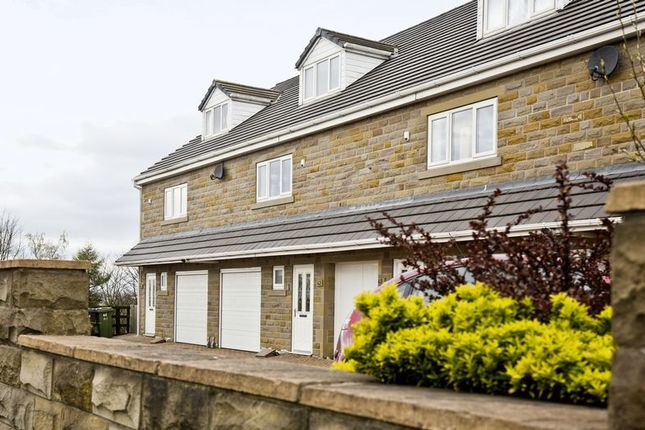 Thumbnail Town house for sale in Howdenclough Road, Morley, Leeds