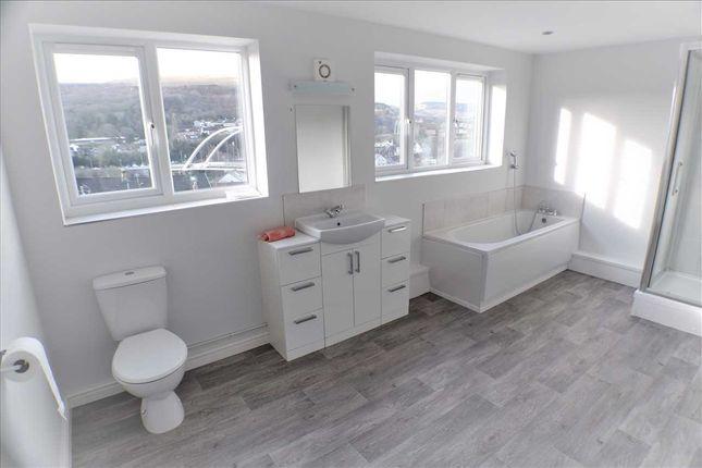 Bathroom of Charles Street, Porth CF39