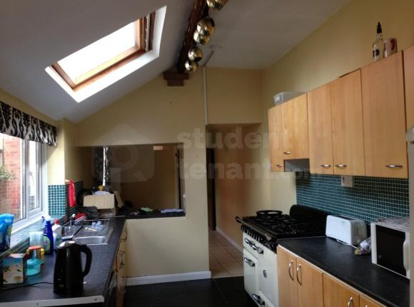 Thumbnail Shared accommodation to rent in Charlotte Street, Walsall