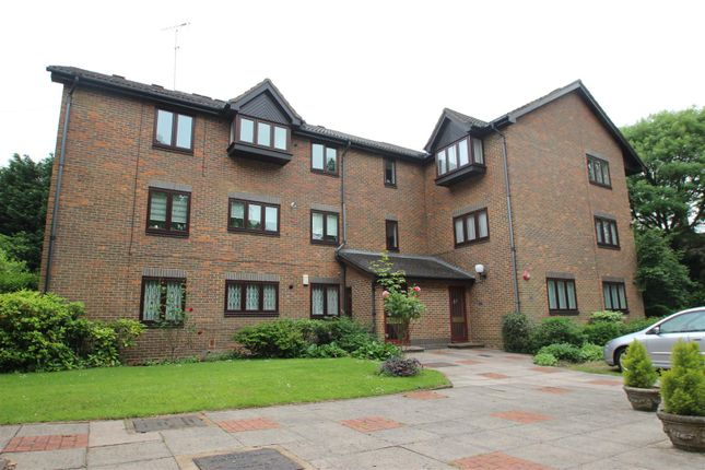 Thumbnail Property to rent in Salisbury House, Stanmore