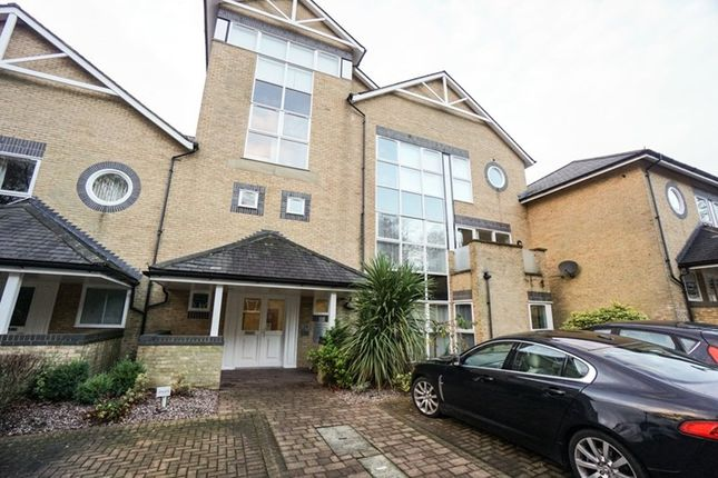 Flat to rent in Belvedere Heights, Bolton