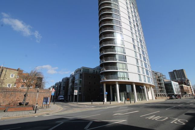 Thumbnail Flat to rent in Queen Street, Portsmouth