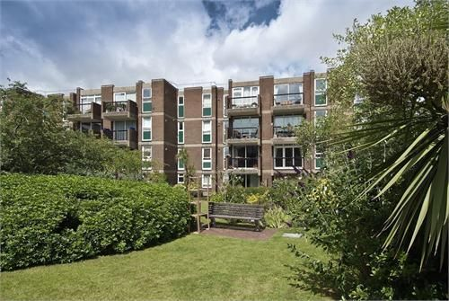Thumbnail Flat to rent in Vanbrugh Court, Wincott Street, London