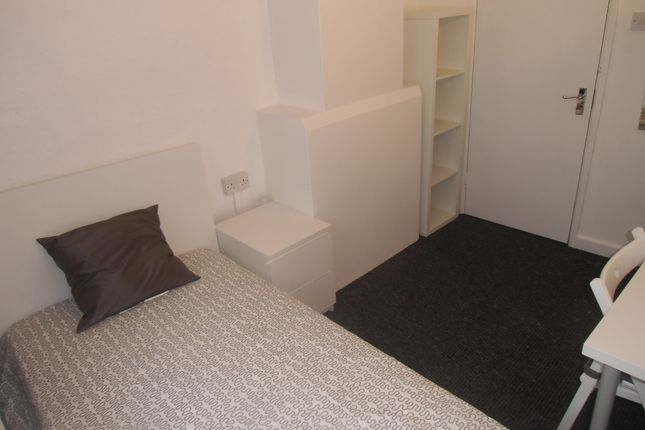 Thumbnail Town house to rent in Talbot Lane, Leicester