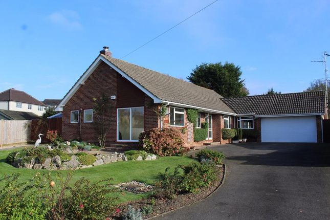 Thumbnail Bungalow for sale in Larkfield Close, Farnham