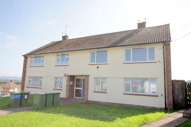 Thumbnail Flat to rent in Pound Road, Kingswood, Bristol