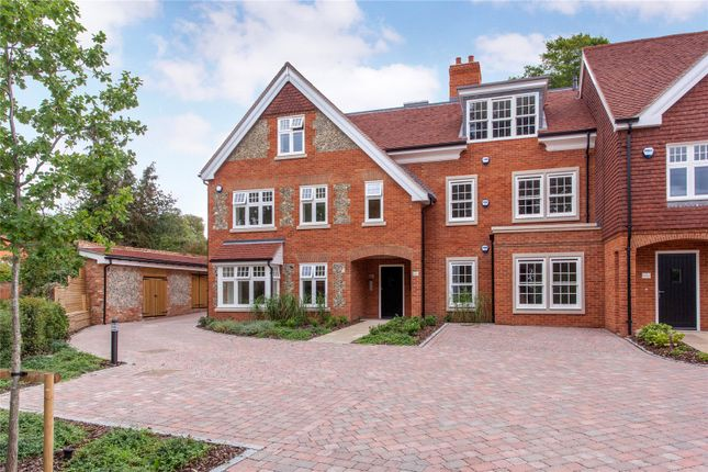 Thumbnail Flat for sale in High Street, Wargrave, Reading, Berkshire