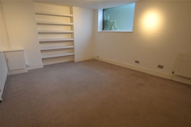 Thumbnail Flat to rent in Palace Road, Crouch End, London