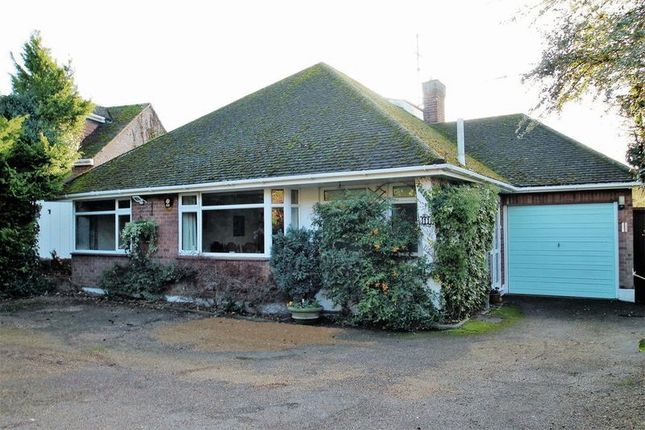 Thumbnail Detached bungalow for sale in Totternhoe Road, Dunstable, Bedfordshire