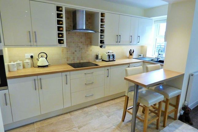 Thumbnail Cottage for sale in Gorple Road, Worsthorne, Burnley