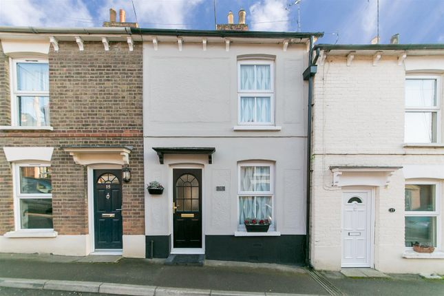 Thumbnail Terraced house for sale in Chapel Street, Halstead