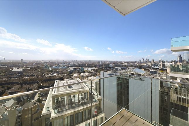 Balcony of Admiralty House, 150 Vaughan Way, London E1W