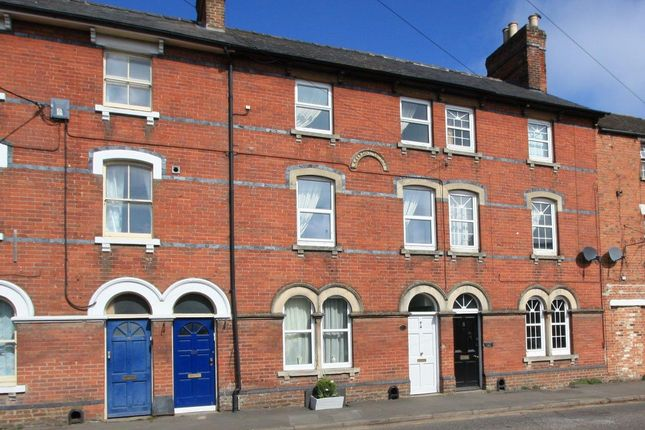 Thumbnail Town house for sale in Cricklade Road, Highworth