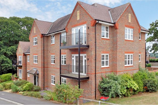 Thumbnail Flat for sale in Keaver Drive, Camberley