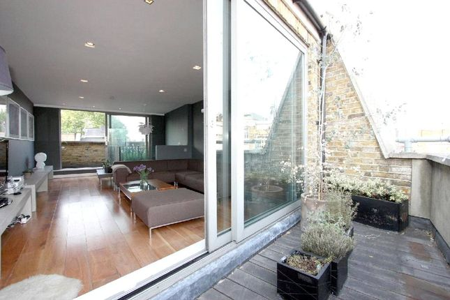 2 bed flat to rent in Hoxton Square, Hoxton, London