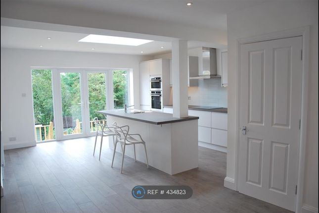 Thumbnail Semi-detached house to rent in Meadow Road, Berkhamsted