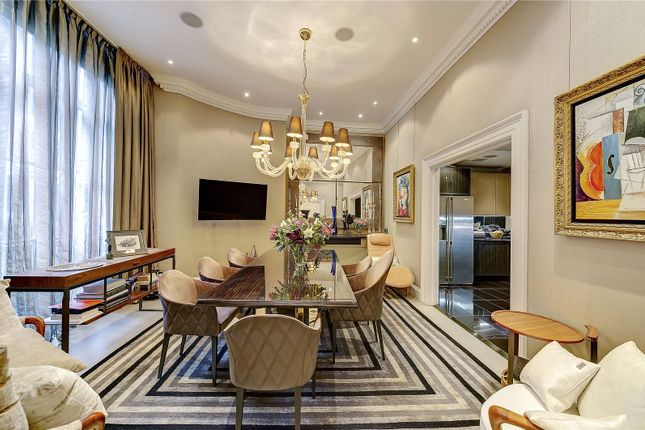 2 bed flat for sale in Curzon Square, London W1J