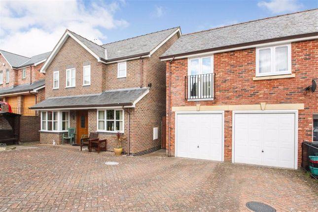 Thumbnail Detached house for sale in Ffordd Spoonley, Llansantffraid