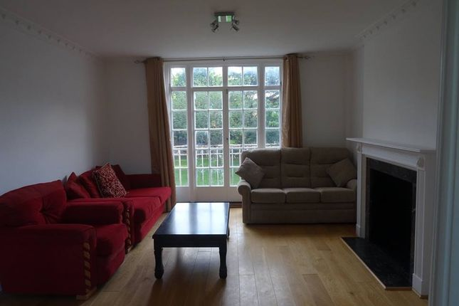 Thumbnail Flat to rent in Langford Green, East Dulwich