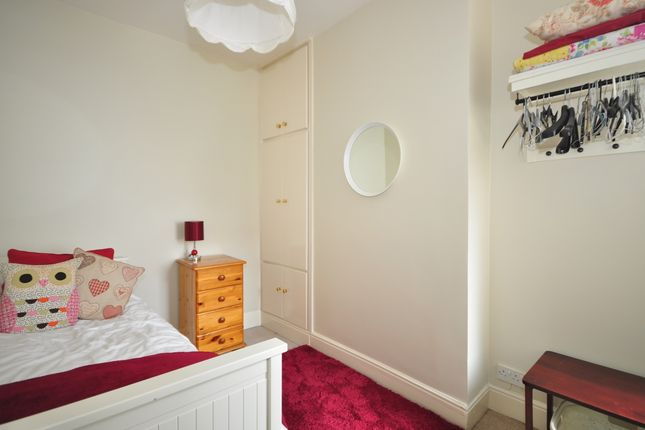 Thumbnail Room to rent in Essex Road, Southsea